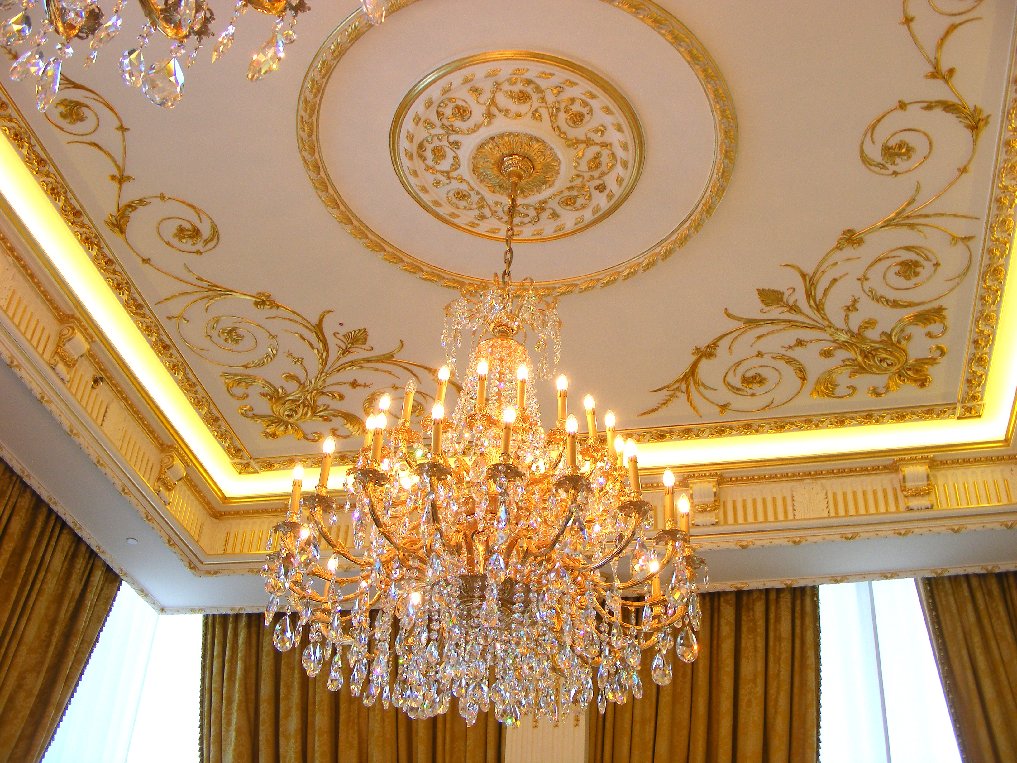 Bespoke decorative plaster ceilings stevensons of norwich for Decorative ceilings